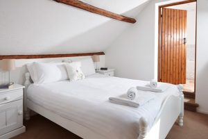 Trotters Double Ensuite Room at Karuna Detox