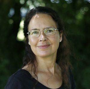 Lisa holistic therapist
